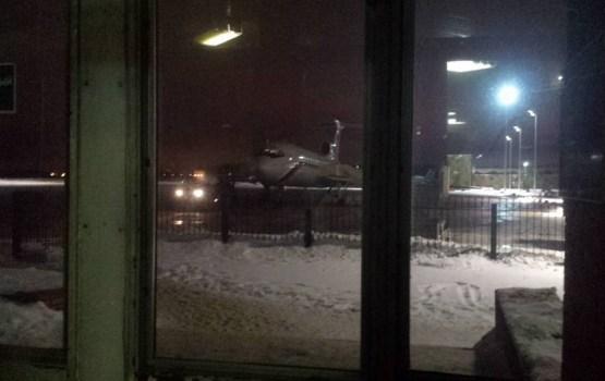 Melnajā jūrā nogāzusies Krievijas Aizsardzības ministrijas lidmašīna ar 91 cilvēku