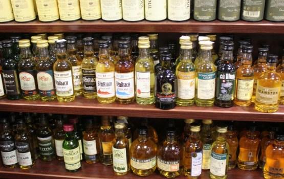 Ministrs: Specializētos alkohola veikalus Lietuvā varētu ieviest no 2018.gada