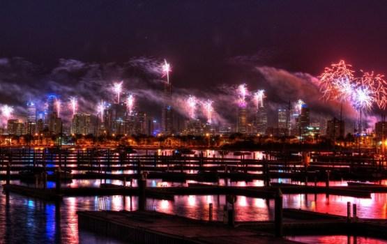 Sidnejā ar krāšņu uguņošanu sagaidīts 2017. gads