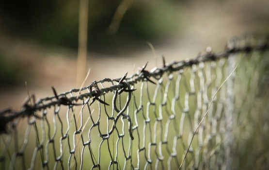 Vairāk nekā 1000 migrantu centušies ielauzties Spānijas Seutas anklāvā