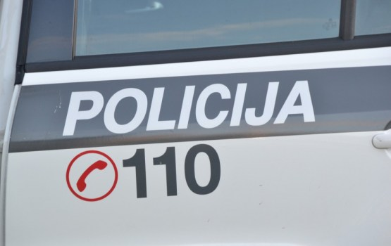 Sāk kriminālvajāšanu pret Valsts policijas inspektoru par 10 000 eiro kukuļa pieņemšanu