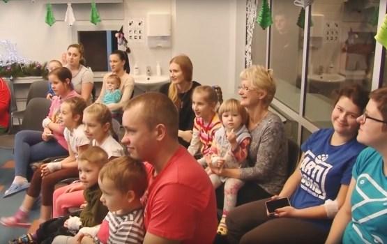 Jaunā gada priekšvakarā Daugavpils reģionālajā slimnīcā sveica bērnus un pieaugušos