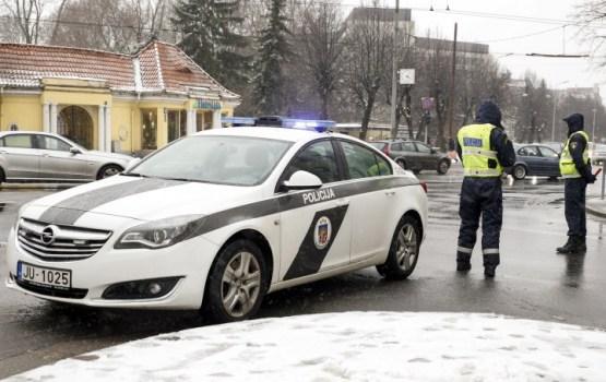 Policists, kurš dzērumā izraisīja avāriju, atlaists no darba