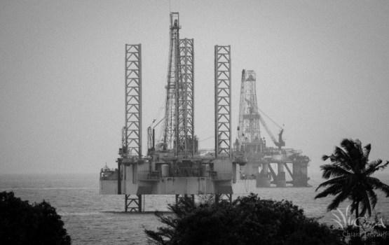 Naftas cenas pieaug; sarūk biržu indeksi ASV un Eiropā, kā arī ASV dolāra vērtība