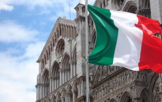 Itāliju satricina trīs zemestrīces, Romā apturēta metro kustība