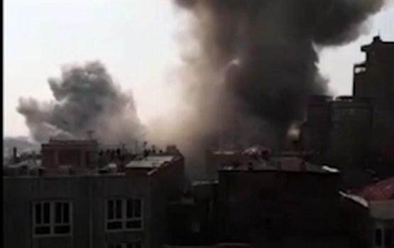 Traģēdija Irānā: sagāžoties lielveikalam, bojā iet glābēji