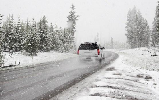 Apledojums apgrūtina braukšanas apstākļus Latgalē