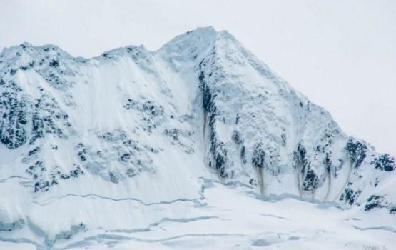 Lavīna populārā slēpošanas kūrortā Francijas Alpos; vismaz 4 bojāgājušie