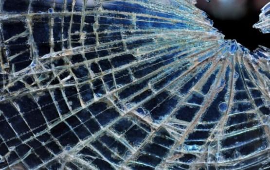 Trīs automašīnu sadursmē Saldus novadā bojā iet sieviete