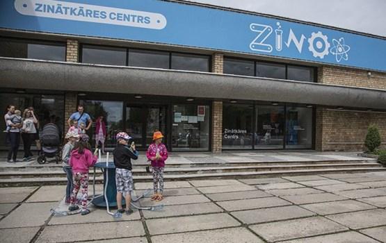 """Zinātkāres centri """"ZINOO"""" vēl draudzīgāki skolotājiem"""