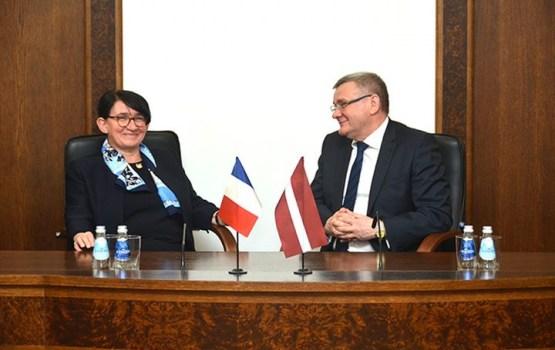 Daugavpilī ieradusies Francijas vēstniece Odile Supizona