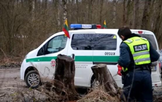 Lietuvu satricinājusī slepkavība: aizdomās turētos nogādā tiesā
