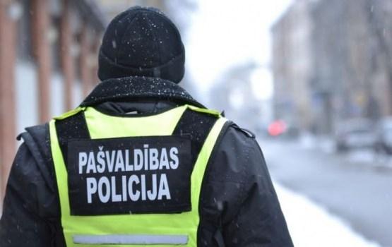 Daugavpils pašvaldības policija notver laupītājus