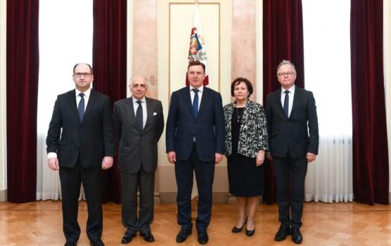 Kučinskis ar NATO pārstāvjiem apspriež drošības politikas aktualitātes