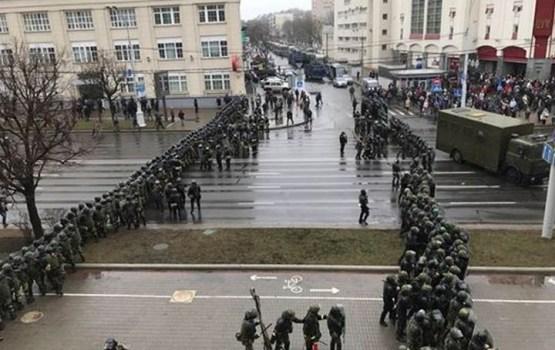Baltkrievijā pirms protesta akcijas aizturēti vairāki desmiti cilvēktiesību aizstāvju