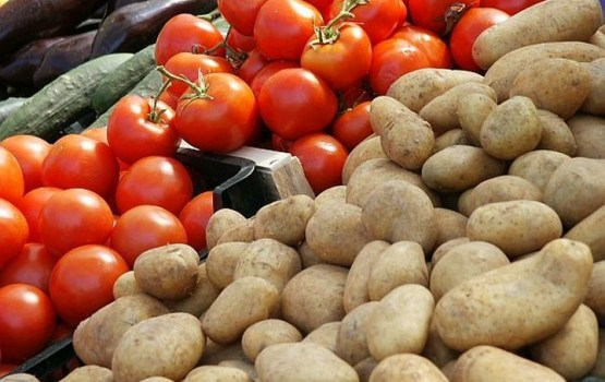 PVD no tirdzniecības Rīgas Centrāltirgū martā izņēmis 803 kilogramus augļu un dārzeņu