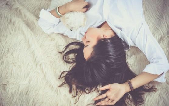 Aptauja: Gandrīz 60% Latvijas iedzīvotāju savu miega kvalitāti vērtē kā vidēju līdz sliktu