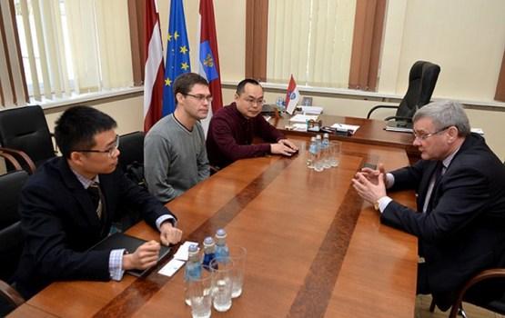 Daugavpili apmeklēja Ķīnas dzelzceļa korporācijas pārstāvji