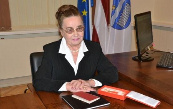 """Deputāti pieņēma lēmumu par apbalvojuma """"Mūža ieguldījums"""" piešķiršanu Marijai Ivanovai"""