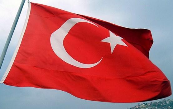 Turcijas vēlēšanu komisija apstiprina Erdoana atbalstītāju uzvaru referendumā