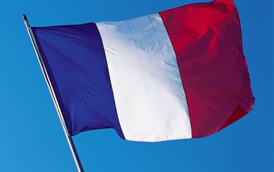 Oficiālie rezultāti: Makrons un Lepēna iekļūst Francijas prezidenta vēlēšanu otrajā kārtā