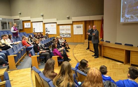 Daugavpils Domē tikās ar delegāciju, kas ieradusies Erasmus+ programmas ietvaros