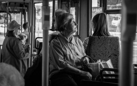 Aptauja: vairāk nekā puse iedzīvotāju uzskata, ka par viņu nodrošinājumu vecumdienās jārūpējas valstij
