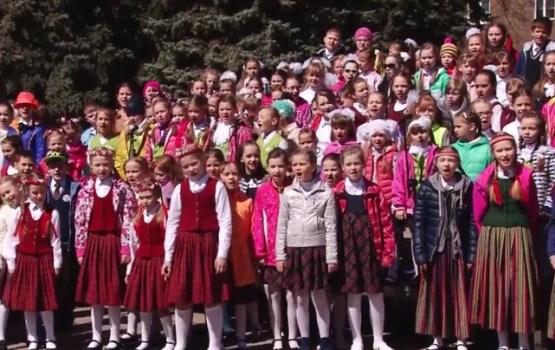 Latvijas Neatkarības atjaunošanas dienu daugavpilieši svinēja Vienības laukumā
