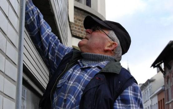 Vāc parakstus par neapliekamā minimuma ieviešanu strādājošiem pensionāriem