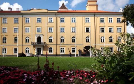 """""""Delna"""" iesniedz Saeimai 11 000 iedzīvotāju parakstu un aicina Valsts prezidentu iecelt atklātā balsojumā"""