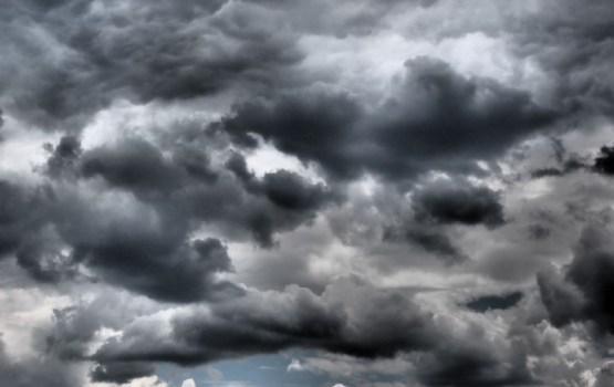 Trešdien nāks lietus mākoņi, vietām līs stipri
