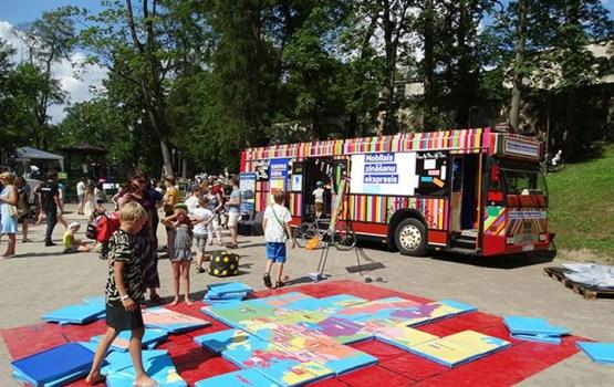 ES mājas Mobilais zināšanu ekspresis 10. jūnijā piestās Daugavpilī