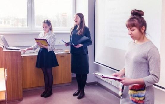 Daugavpils skolnieces iegūst zelta godalgu prestižajā GENIUS Olympiad Amerikas Savienotajās Valstīs