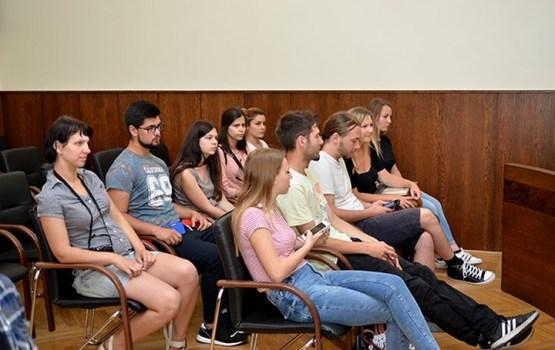 Jaunieši no 5 valstīm Daugavpilī kopā svin vasaras saulgriežus
