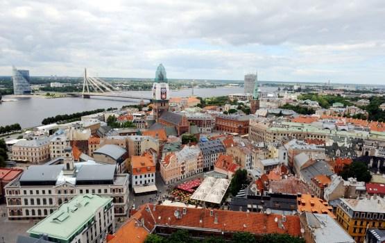 Eirobarometrs: Vairāk nekā puse Latvijas iedzīvotāju uzskata, ka globalizācija veicina sociālo nevienlīdzību
