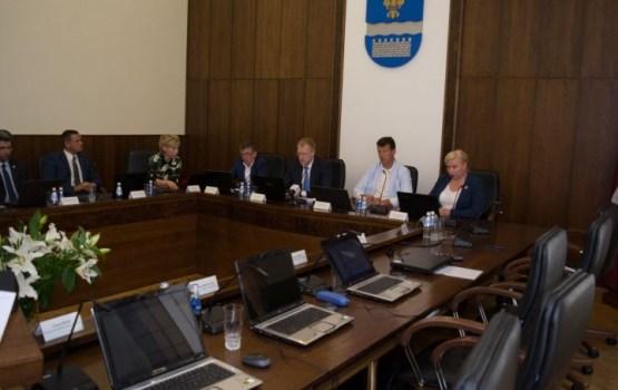 Ārkārtas Domes sēdē 27. jūnijā ievēlēti deputāti Domes pastāvīgajās komisijās