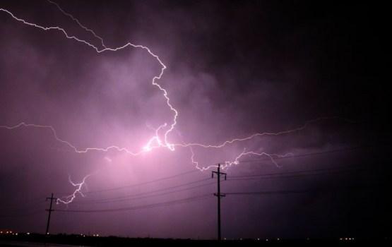 """Elektroapgāde traucēta apmēram 10 000 """"Sadales tīkls"""" klientu"""