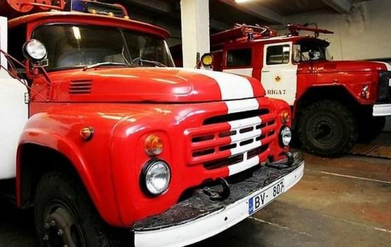 Ugunsgrēkā Ludzas novadā cietis ugunsdzēsējs