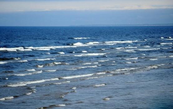 Līdz šim nav izdevies atrast pirmdien jūrā pie Rucavas pazudušu zēnu