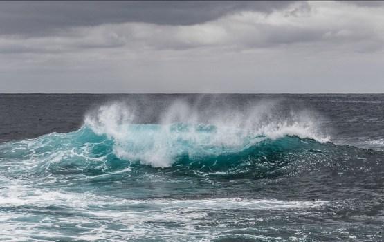 Jūras krastā Kurzemē atrod pirms vairākām dienām noslīkušo zēnu