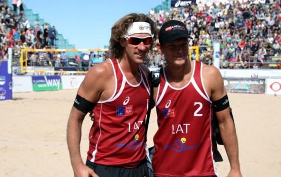 Samoilovs un Šmēdiņš kļūst par Eiropas vicečempioniem pludmales volejbolā