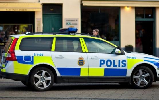 Stokholmā uzbrukumā ar nazi savainots policists