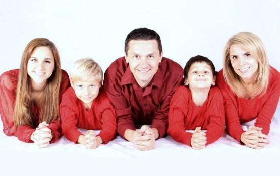 Koalīcija vienojas nākamgad novirzīt 32 miljonus eiro ģimenes valsts pabalstu palielināšanai daudzbērnu ģimenēm