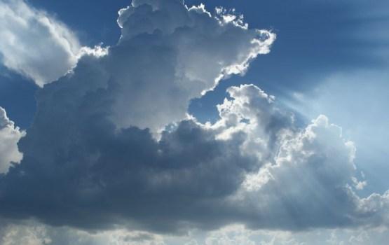 Dienā būs mazāk nokrišņu, Latgalē var veidoties pērkona lietusgāzes
