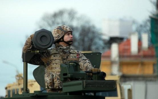 Aicina apskatīt militāro tehniku un tikties ar karavīriem