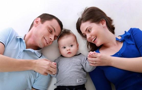 Vienojas mainīt ģimenes valsts pabalsta piešķiršanas kārtību, solot nevienai ģimenei to nesamazināt