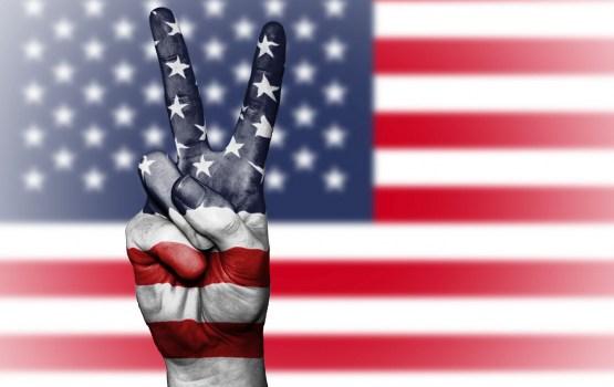 Aptauja: Latvijas iedzīvotāju viedoklis par ASV lēnām uzlabojas