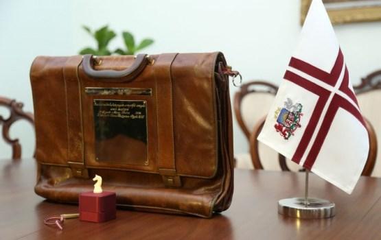 Finanšu ministre iesniegs Saeimā nākamā gada budžeta portfeli