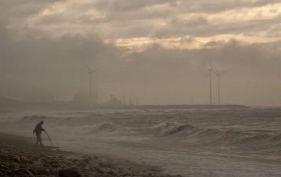 Īrijai tuvojas tropiskā viesuļvētra; izsludināta sarkanā trauksme