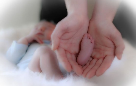 Dzimstība Latvijā samazinājusies par 6,6%, mirstība mazinājusies tikai nedaudz